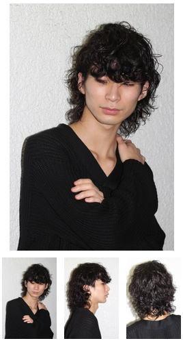 前髪重ためのセミロングパーマウルフ