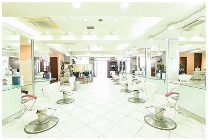 HAIR & MAKE EARTH 高田馬場店【ヘアメイクアース】[東京都新宿区高田馬場]